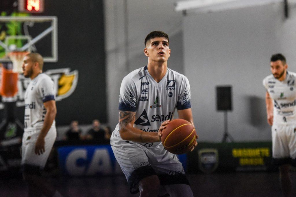 Gabriel Jau Bauru Basket