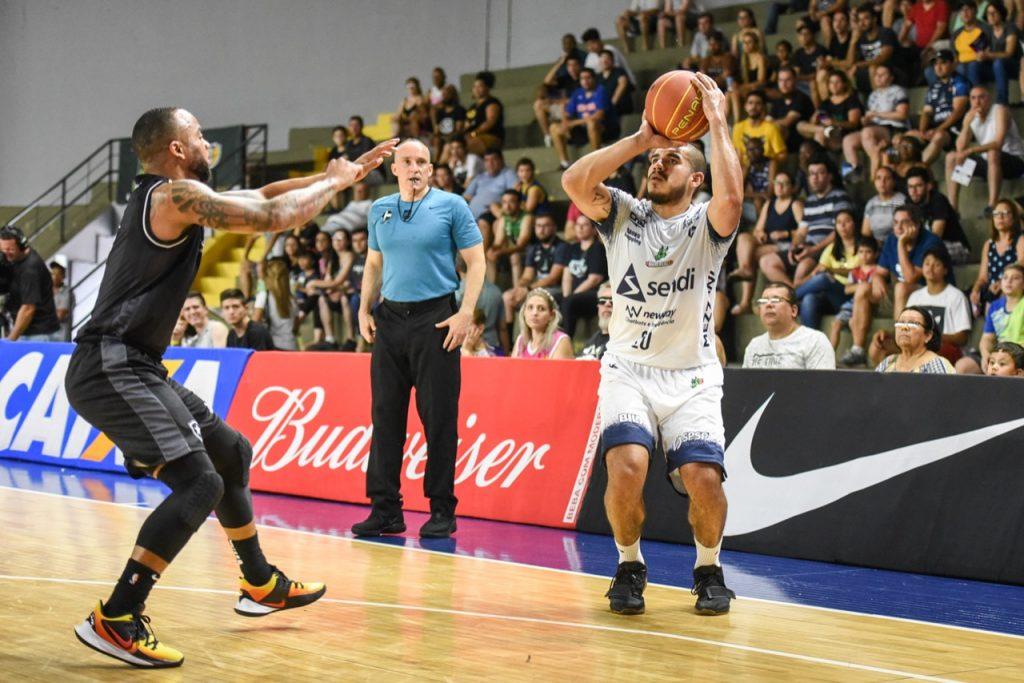 Samuel-Bauru-Basket